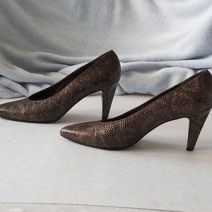 Stuart Wietzman Brown size 8 Shoes Pumps